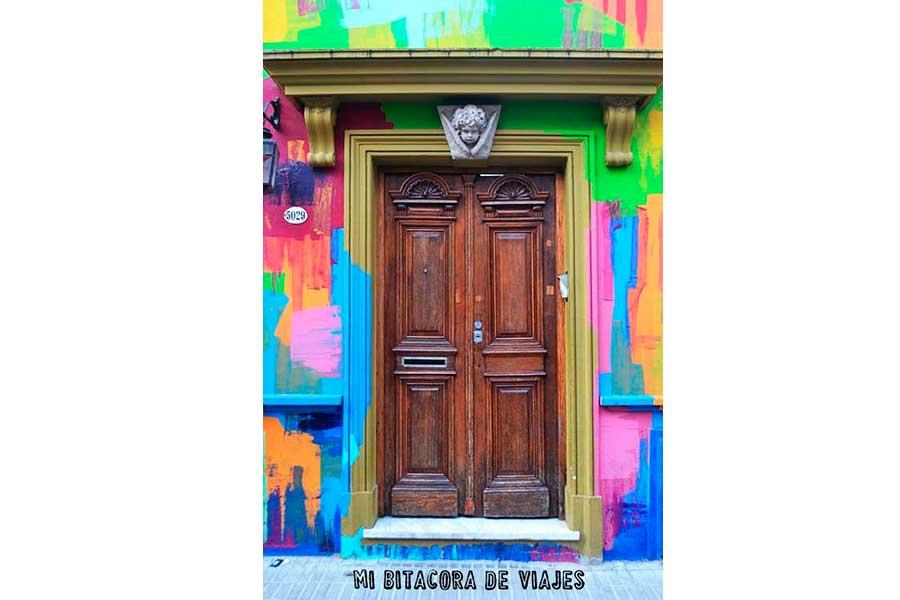 Puerta y Street Art en Pasaje Russel