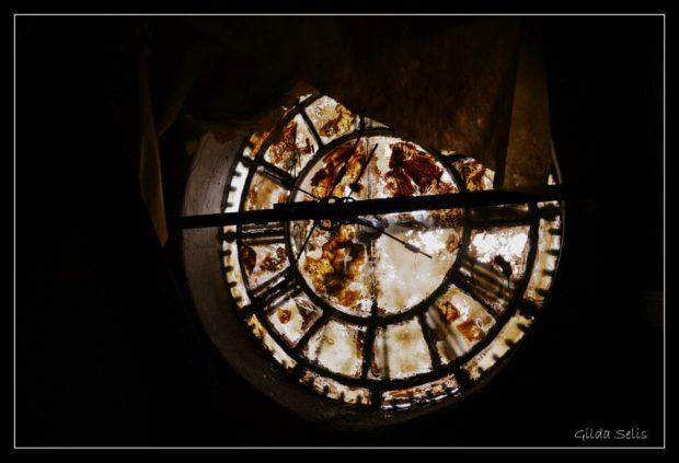 Reloj en Meridiano V
