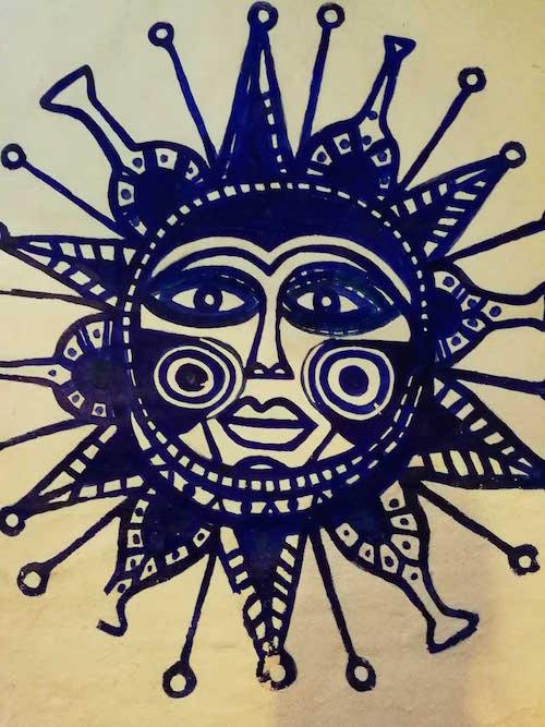 Sol pintado de azul