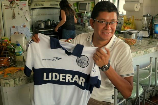 camiseta de Gimnasia y Esgrima de La Plata